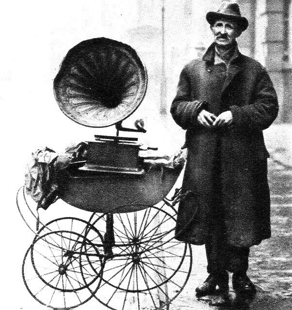 Come see my magical gramophone